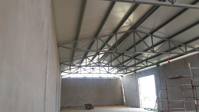 dach z plyt warstwowych